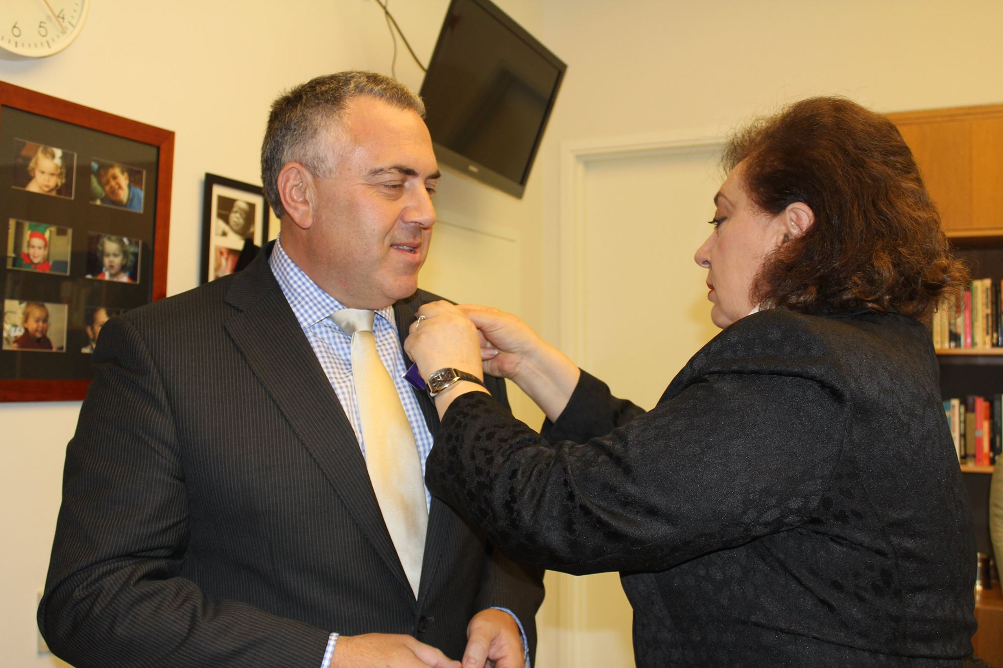 armenian genocide centenary pins worn in parliament question time